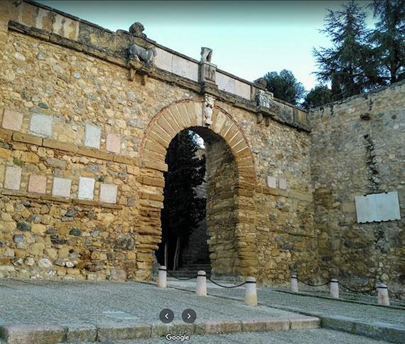 Arco de los Gigantes