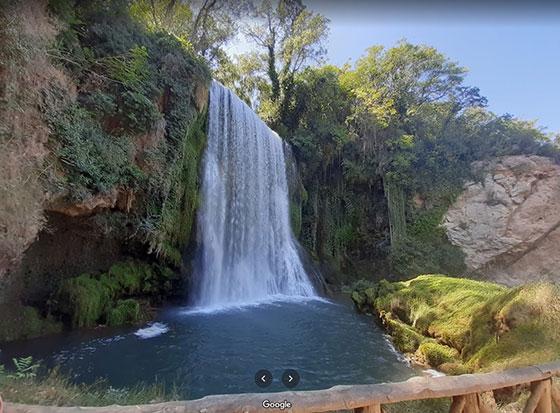 Cascada cerca del monasterio de Piedra