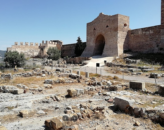 Puerta del castillo de Sagunto